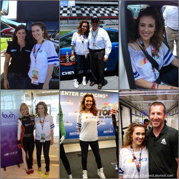 -    06/07/2013 : Alyssa faisant la promotion de sa marque Touch au Coke Zero 400 à Los Angeles.  -