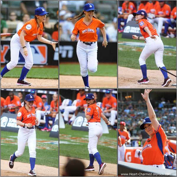 -    14/07/2013 : Alyssa et sa famille assistant au Celebrity Softball Game à New-York.  -