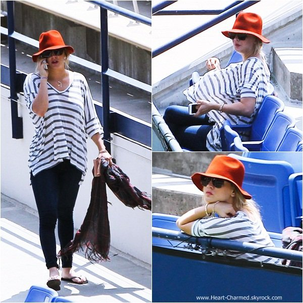 -    03/08/2013 : Kaley assistant au match de tennis de son petit-ami Ryan Sweeting à Los Angeles.  -
