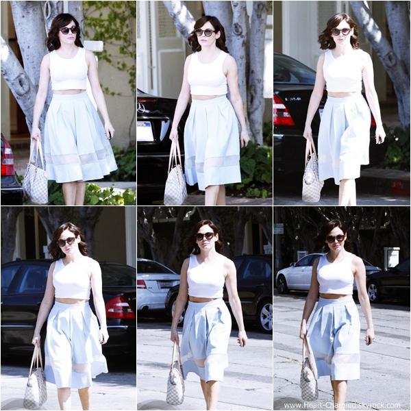 -    14/08/2013 : Rose se promenant dans les rues de Los Angeles.  -