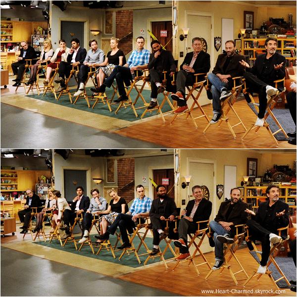 -    15/08/2013 : Kaley et ses co-stars de TBBT sur le plateau de la série pour une interview à Burbank.  -