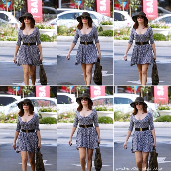 -    27/08/2013 : Rose faisant du shopping à Los Angeles.  -