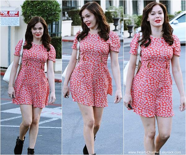 -    03/09/2013 : Rose quittant un salon de coiffure à Los Angeles.  -