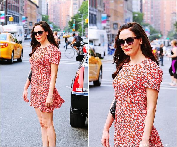 -    12/09/2013 : Rose se promenant dans les rues de New-York.  -