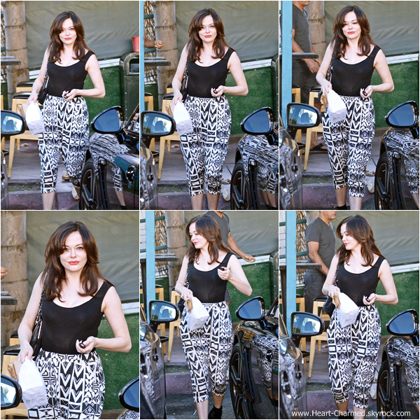 -    09/11/2013 : Rose rejoignant sa voiture dans West Hollywood.  -
