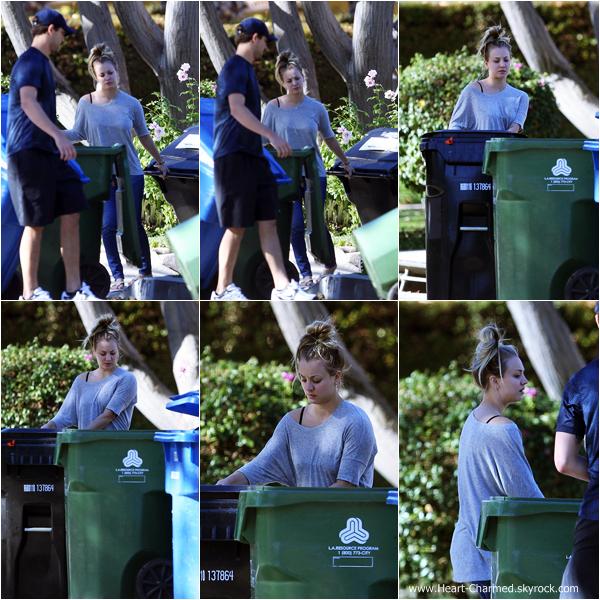 -    26/12/2013 : Kaley et son fiancé Ryan Sweeting sortant leurs poubelles à Los Angeles.  -