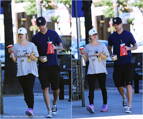 -    06/01/2014 : Kaley et son mari Ryan Sweeting quittant un café à Los Angeles.  -