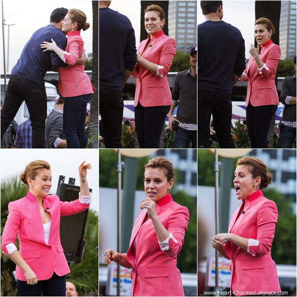 -    07/01/2014 : Alyssa sur le plateau de l'émission de télé Extra à Los Angeles.  -