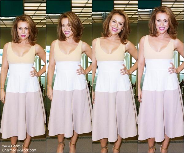 -    18/01/2014 : Alyssa assistant au LA Times Travel Show à Los Angeles.  -