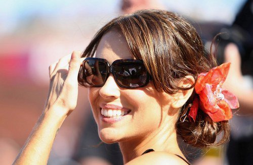-    Félicitations à notre magnifique Alyssa Milano qui attend son deuxième enfant.  -