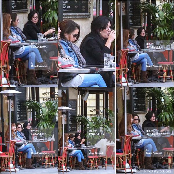 -    13/03/2014 : Shannen sa maman Rosa, Holly et Josh Cocktail se promenant dans les rues de Paris.  -