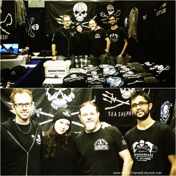 -    30/03/2014 : Shannen posant aux côtés des représentants de l'organisation Sea Shepherd en Australie.  -