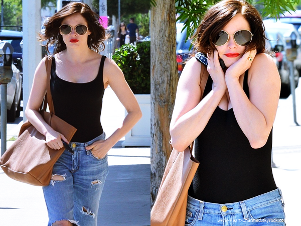 -    11/05/2014 : Rose arrivant/quittant un salon de coiffure à Los Angeles.  -