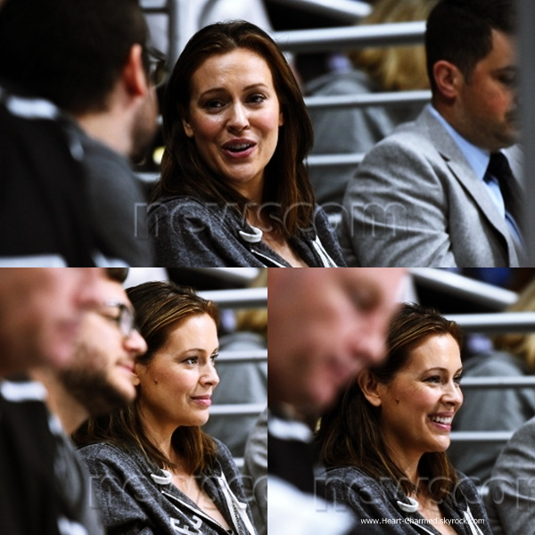 -    20/11/2014 : Alyssa et son mari David assistant au match des LA Kings à Los Angeles.  -