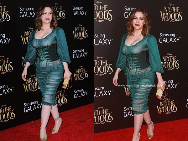 -    08/12/2014 : Alyssa assistant à la première du film Into The Woods à New-York.  -