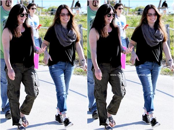 -    17/01/2015 : Shannen et Holly assistant à la March for Lolita à Miami.  -