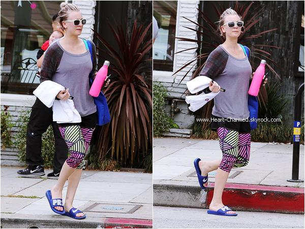 -    15/05/2015 : Kaley quittant son cours de yoga à Los Angeles.  -