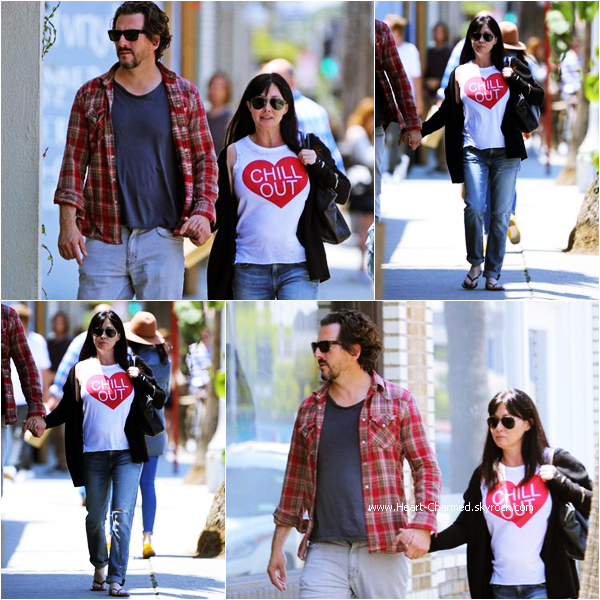 -    21/05/2015 : Shannen se promenant avec son mari Kurt à Beverly Hills.  -