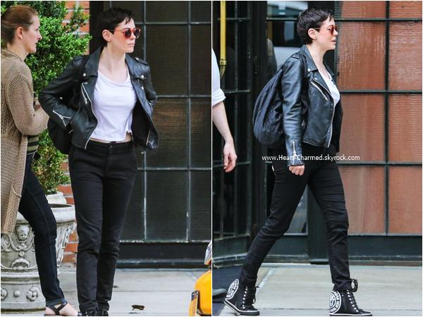 -    18/06/2015 : Rose quittant son hôtel à New-York.  -