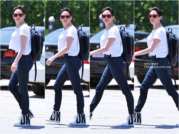 -    02/07/2015 : Rose se promenant dans les rues de Los Angeles.  -