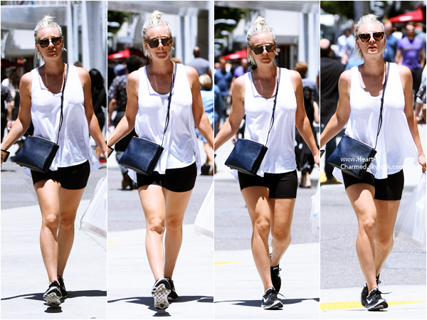 -    13/07/2015 : Kaley quittant son cours de yoga à Los Angeles.  -