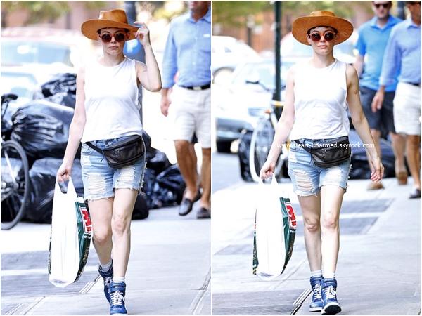 -    03/08/2015 : Rose se promenant dans les rues de Los Angeles.  -