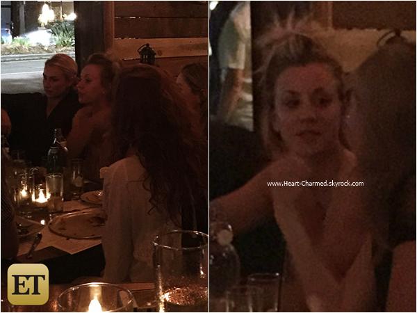 -    25/09/2015 : Kaley et des amies dînant au restaurant The Village à Studio City.  -