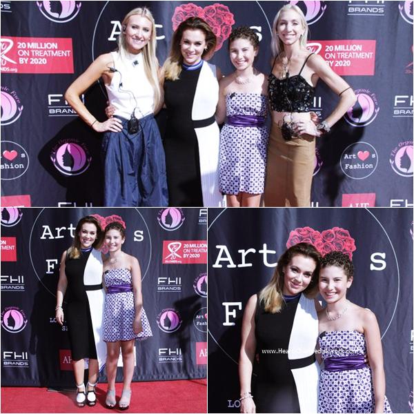 -    07/10/2015 : Alyssa assistant au Art Heart's Fashion à Los Angeles.  -