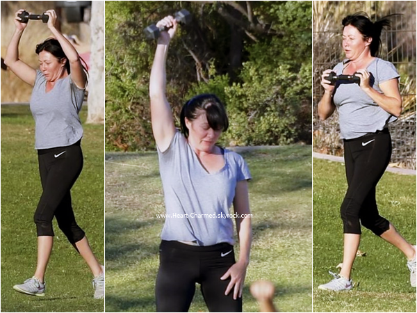 -    28/10/2015 : Shannen et sa maman faisant du sport à Malibu.  -
