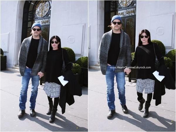 -    18/03/2016 : Shannen et son mari Kurt se promenant dans les rues de Paris.  -