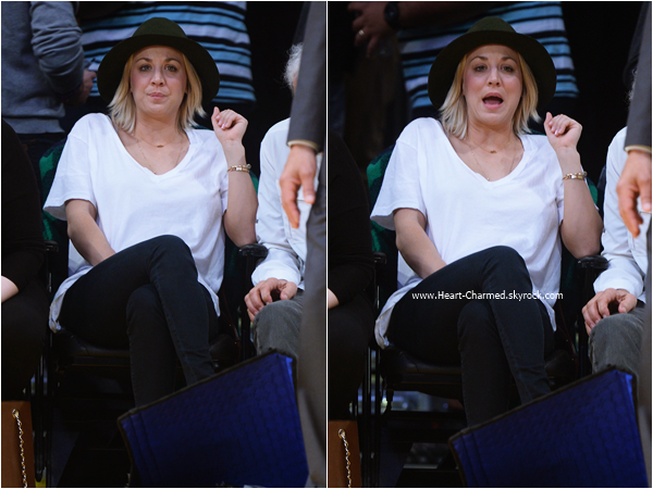 -    17/01/2016 : Kaley et son papa Gary assistant au match de basket LA Lakers vs. Housten Rockets à Los Angeles.  -