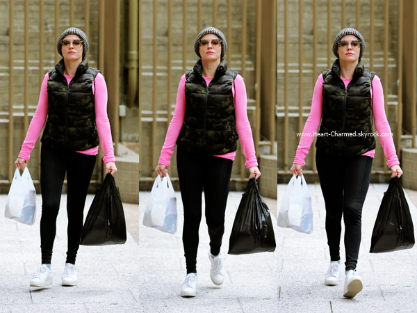 -    29/04/2016 : Rose se promenant dans les rues de New-York.  -