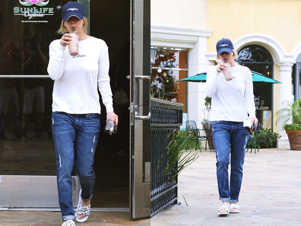 -    23/05/2016 : Kaley à une station essence de Calabasas.  -