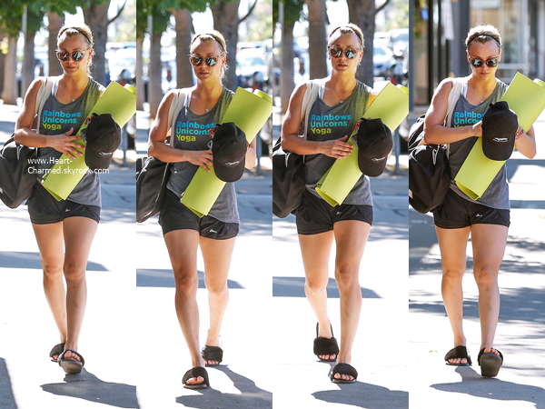 -    07/07/2016 : Kaley quittant un cours de yoga à Studio City.  -