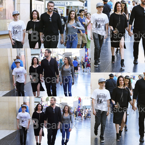 -    01/08/2016 : Holly, son petit-ami et son fils arrivant à la première du film Nine Lives à Los Angeles.  -