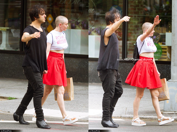 -    14/08/2016 : Rose et son petit-ami se promenant dans les rues de New-York.  -