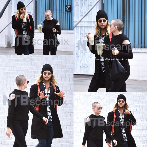 -    13/09/2016 : Rose et un ami faisant du shopping à Los Angeles.  -