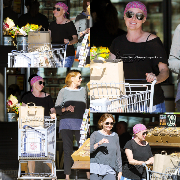 -    08/10/2016 : Shannen et sa maman quittant le Vintage Grocers Market à Malibu.  -