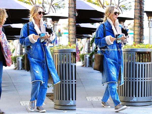 -    16/11/2016 : Kaley quittant le restaurant Porto Villa à Beverly Hills.  -