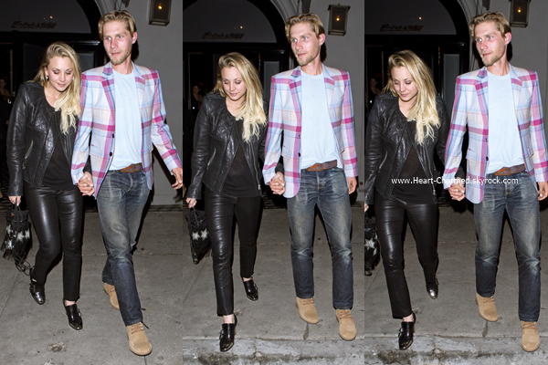 -    30/11/2016 : Kaley et son petit-ami Karl quittant le restaurant Craig à West Hollywood.  -