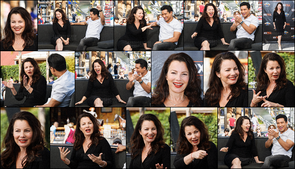 """- 18/10/16 : Fran Drescher était l'une des invitées de l'émission """" Extra """" au Universal Studios Hollywood - Californie. -"""