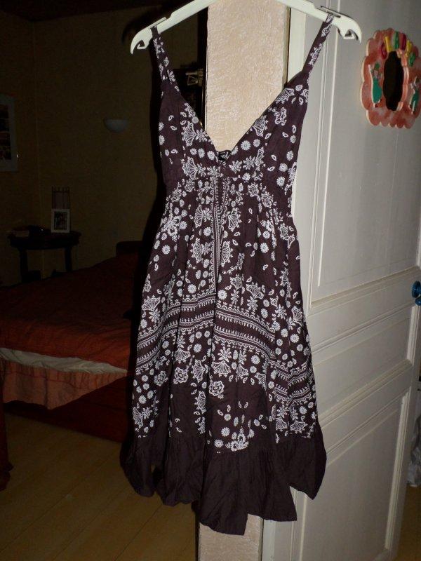 robe maron a motif blanc 3 ¤ taille M