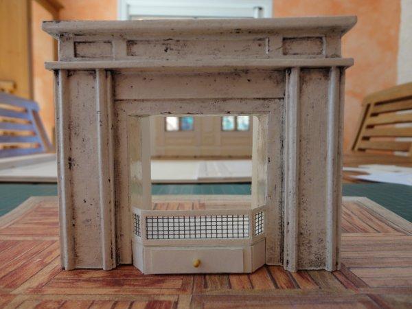 Nouvelle vitrine (échelle 1/12ème) la cheminée