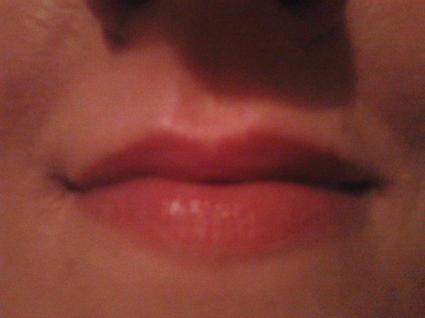 Ma bouche, pour vous faire de gros bisous ... lol