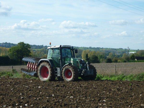 scl des trois village et  associer avec fendtdu50semis et labour blé 2010