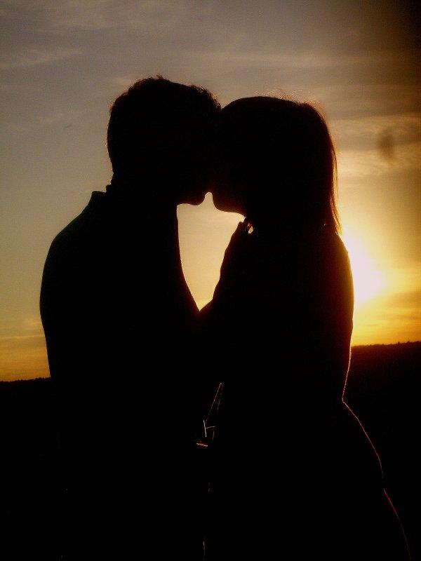 J'étais très bien comme j'étais, occupé à me détruire, et puis tu t'es pointée et tu m'as dis de me bouger,  et pour la première fois de ma vie j'ai eu l'impression que quelqu'un en avait quelque chose à foutre de  ma gueule et que cette personne méritait que je fasse des efforts.