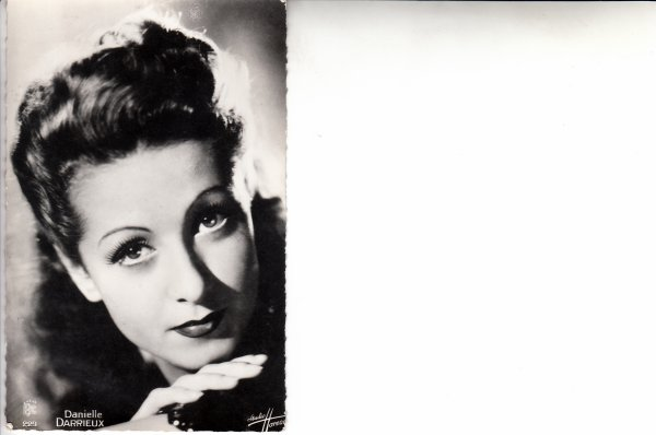 Hommage à une grande dame du cinéma francais décédée à l'age de 100 ans ...