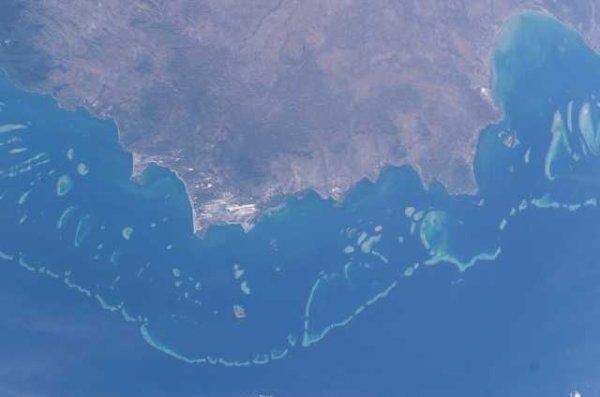 La grande barrière de corail située au large du Queensland, en Australie.