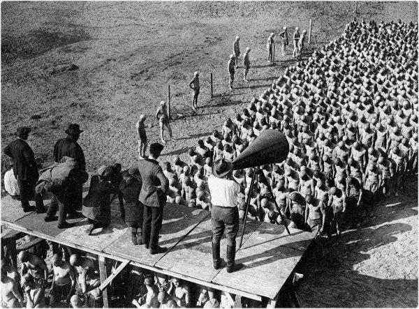 Metropolis, de Fritz Lang Le tournage a commencé le 22 mai 1925.
