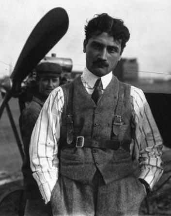 Roland Garros ,traversée de la méditerranée le 23 septembre 1913 a bord de son monoplan